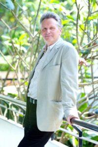 Dr. med. Olaf Koob